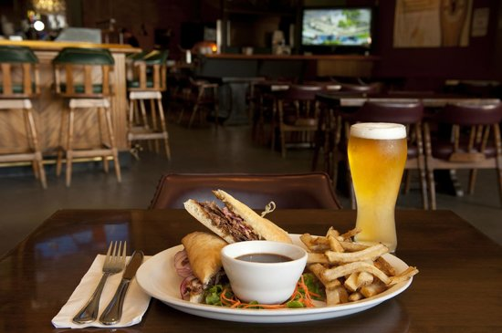 Ramada Plaza Prince George : Lunch at Coach's Pub