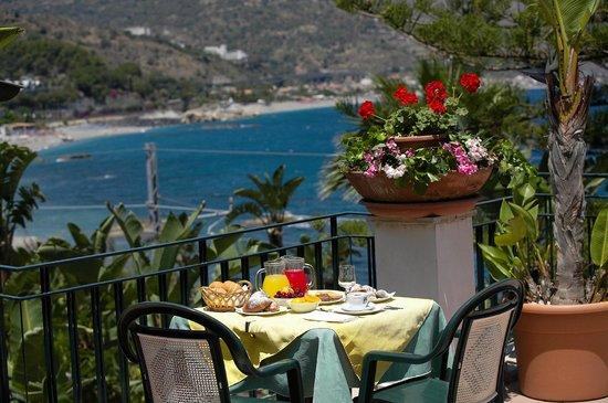 Hotel Baia delle Sirene : panorama dal terrazzo