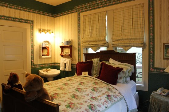 The Groveland Hotel: sweet little room