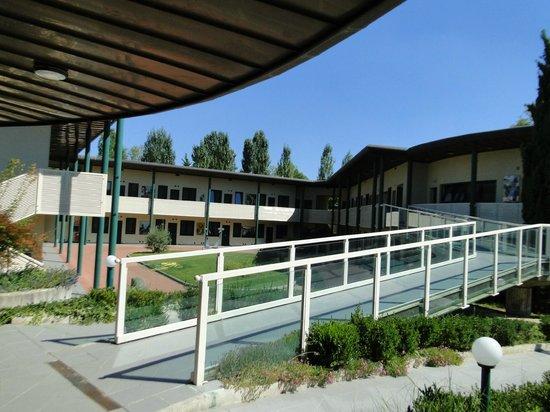 Ghironda Resort : Cour intérieure
