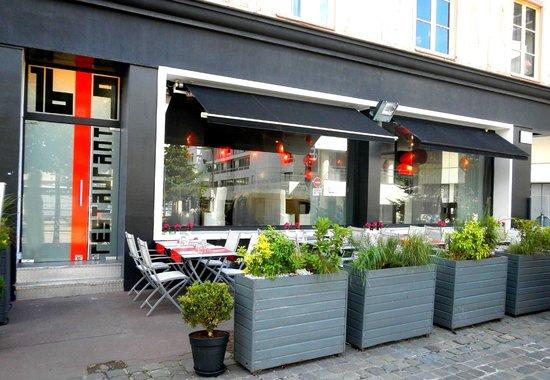 16-9eme: Vue du restaurant de face