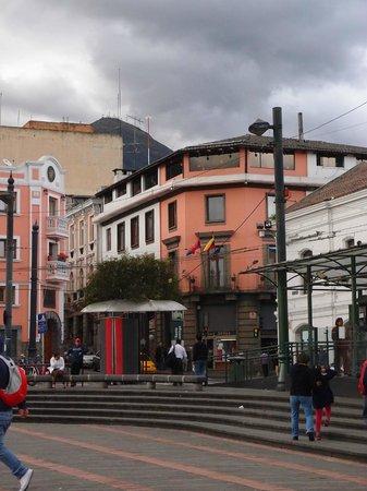 Hotel Real Audiencia : vue de l'hôtel depuis la place