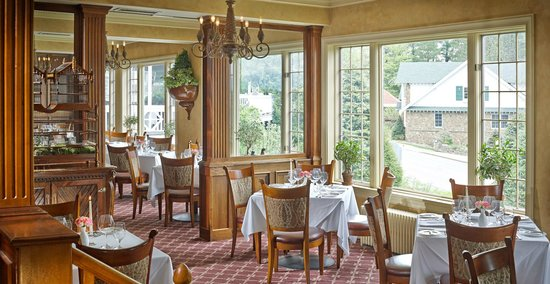 The View Restaurant at the Mirror Lake Inn: Dining in The View