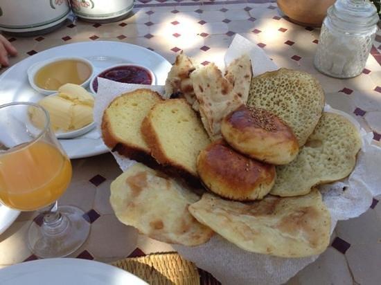 Chez Momo II : Breakfast