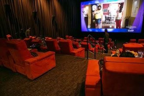 salt lounge ipic theaters
