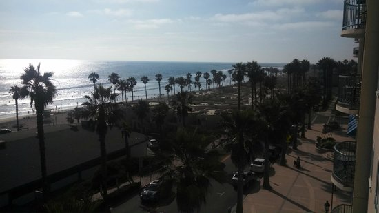 Wyndham Oceanside Pier Resort: Looking out to the right of our balcony