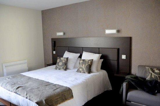 Hotel Reine Mathilde: Modern, comfortable room