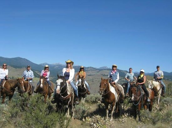Chewack River Guest Ranch: Beautiful horse back ride