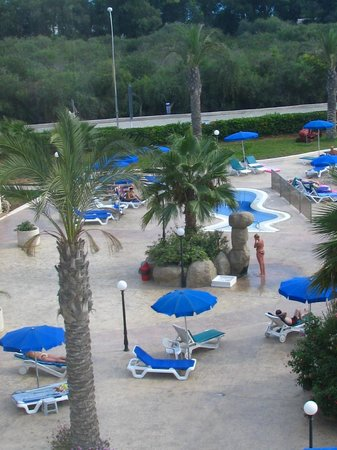 Nissiana Hotel & Bungalows: Бассейн отеля