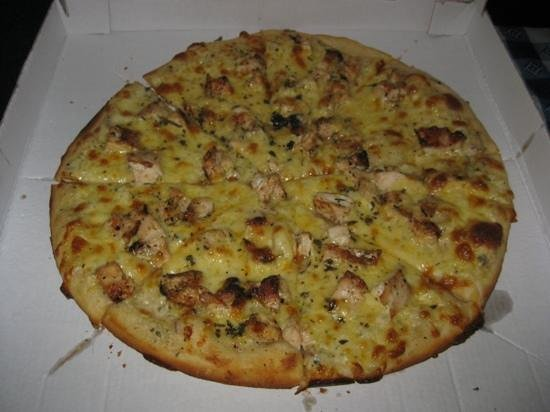 Moya's Place: white chicken pizza