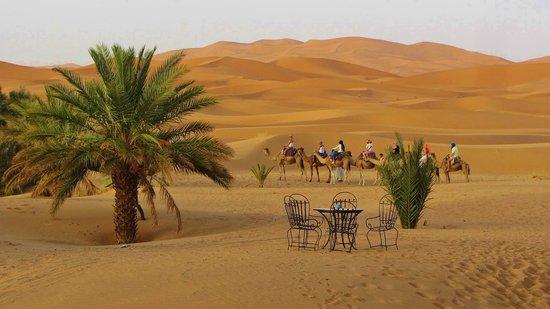 Hotel Ksar Merzouga: ballade dans le désert