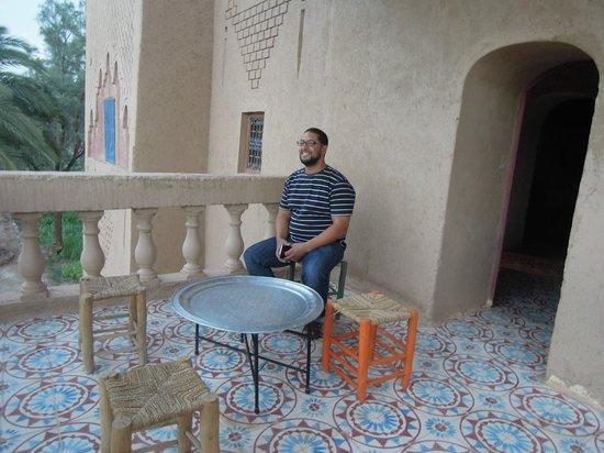 Kasbah Dar Essalam : tarik sur la terrasse