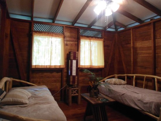 Pachamama Jungle River Lodge: Living room (and extra beds!)