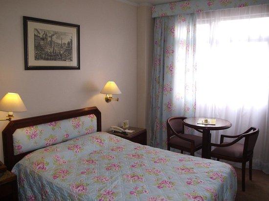 Hotel Lancaster: Bom sono