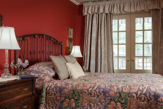 Journey Inn Bed & Breakfast : Tuscany Room in winter