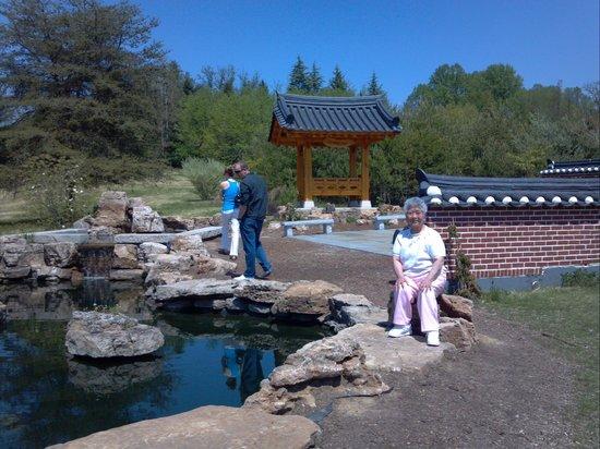 Meadowlark Botanical Garden: garden