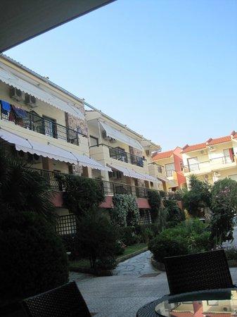 Pelli Hotel: отель