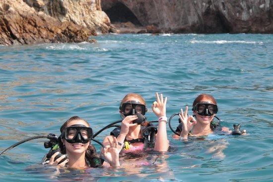 Scuba Diving Adventures : Buceo
