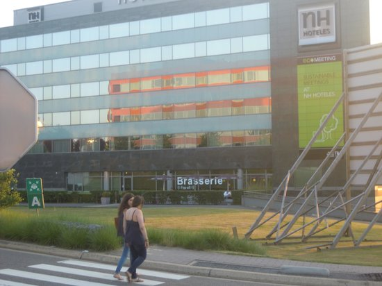 NH Brussels Airport: extérieur de l'hôtel