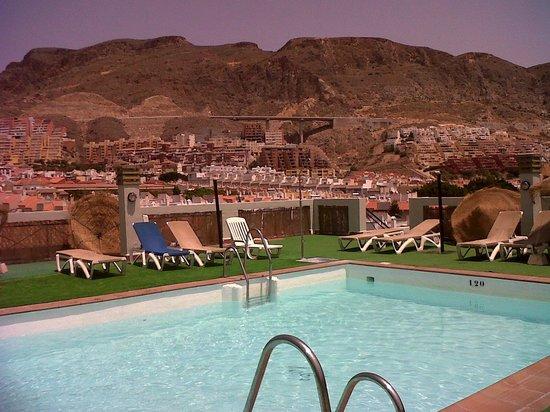 Hotel ATH Andarax: Piscina hotel Andarax (Aguadulce) Almeria