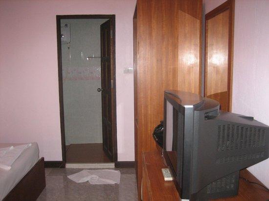 Seabreeze Hotel Kohchang: Номер. вид от входа.