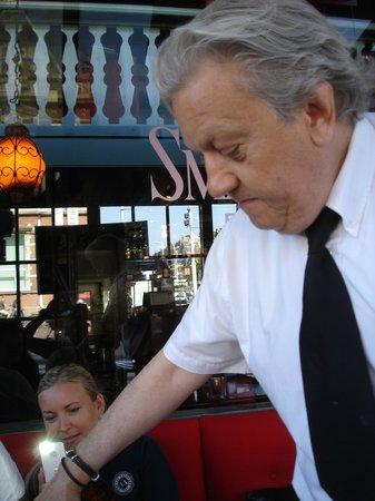 Small Talk Het Restaurant : Наш неподражаемый официант