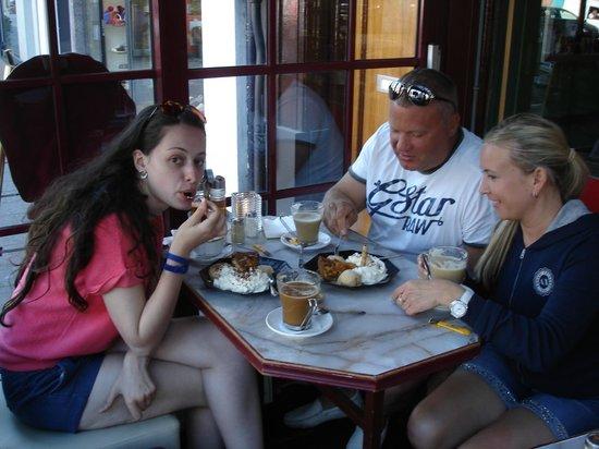 Small Talk Het Restaurant : Только начали пробовать пирог