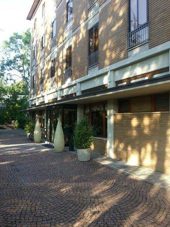 Hotel Terme Salvarola: Main Entrance