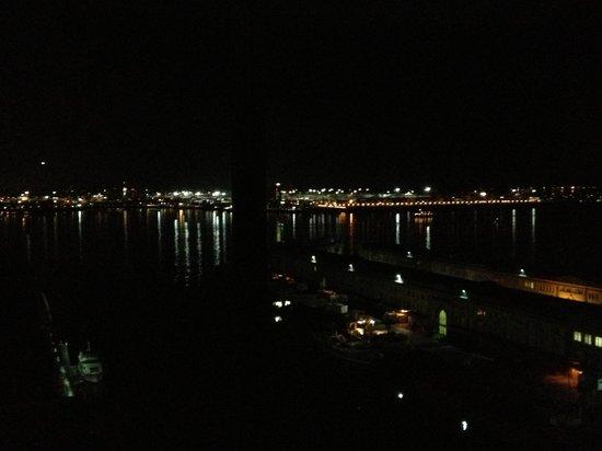 Seaport Boston Hotel: Bay View -- Night