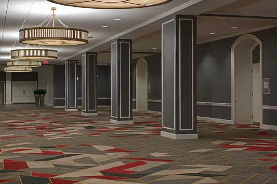 College Park Marriott Hotel & Conference Center: Ballrooms Pre-function Area