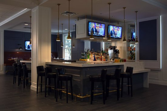 College Park Marriott Hotel & Conference Center: Restaurant Bar Area