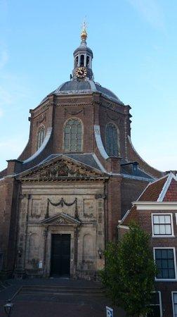 Best Western City Hotel Leiden : Across the street