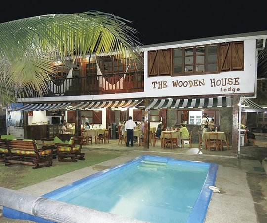 The Wooden House Lodge: The Wooden House night