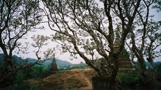 Mrauk U: temples