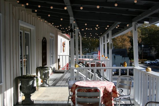 Sweet Breads : Outside Seating