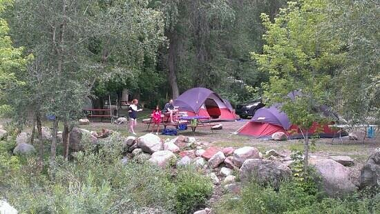 Lightner Creek Campground: Creek side tent sites