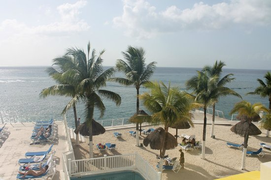 The North Beach Area Of Cozumel Palace
