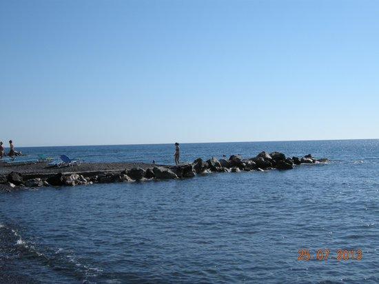 Okeanis Beach Hotel: Море у отеля