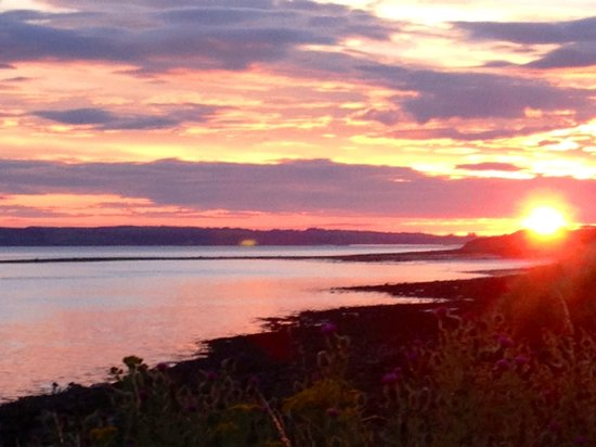 O'Driscoll's Bed & Breakfast: Sunrise over Long Rock , Glin