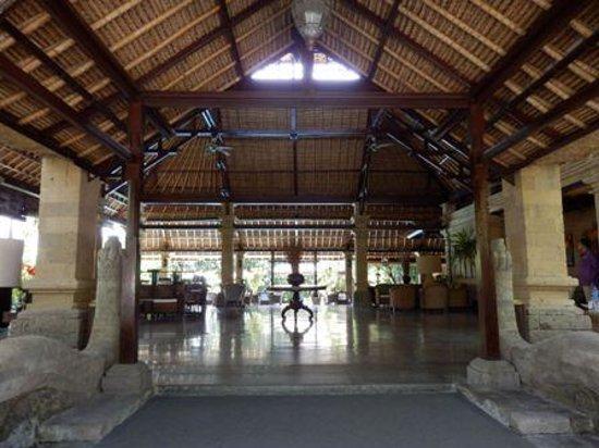 Bali Agung Village: open plan reception