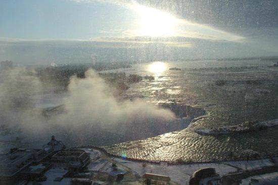 Niagara Falls Marriott Fallsview Hotel & Spa: view of the falls