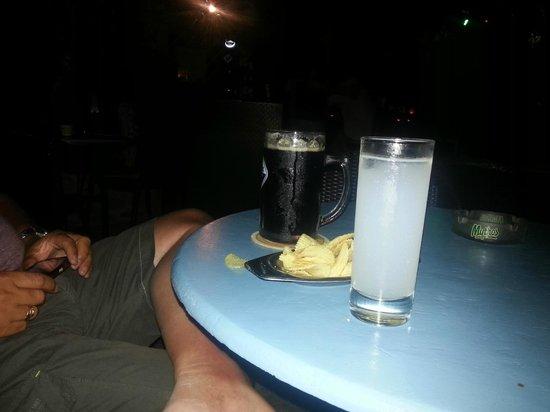 Patriko : Pint of Dark Beer an Ouzo & a dish of crisps - heaven :-)