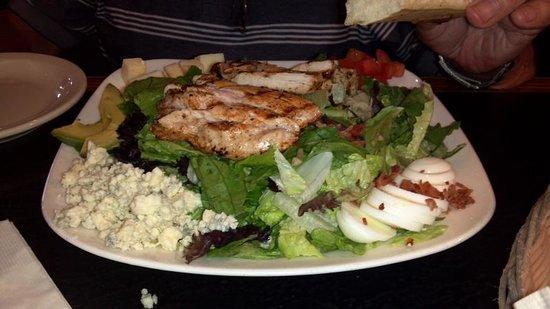 Gurley St. Grill: Chicken cobb salad