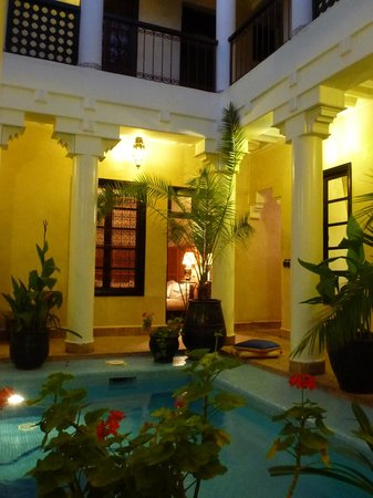 Riad Africa: All rooms look onto the pool area
