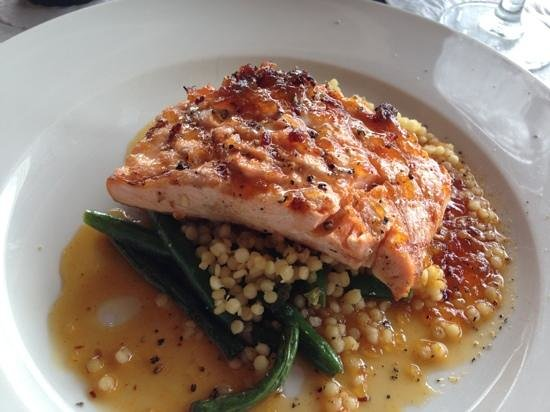 Yellow Dog Cafe: salmon lunch special
