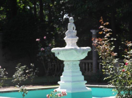 Vanderbilt Museum: In the Rose Garden