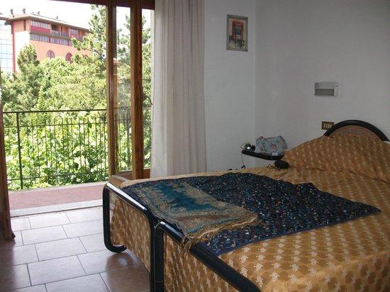 Hotel Cristallo: bedroom