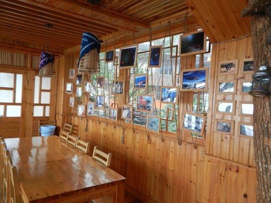 Long Ji One Hotel : Vue de la cuisine adjacente