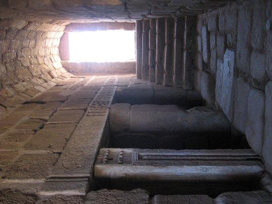 Alcazaba: Interior del Aljibe