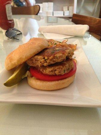 Upper Crust Cafe & Bakery: Crab Cake sandwich